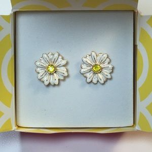 Origami Owl Daisy stud earrings